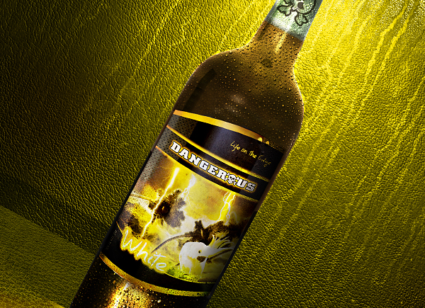DWC-WHITE_Wine_Bottle1_corkflat_close.jpg